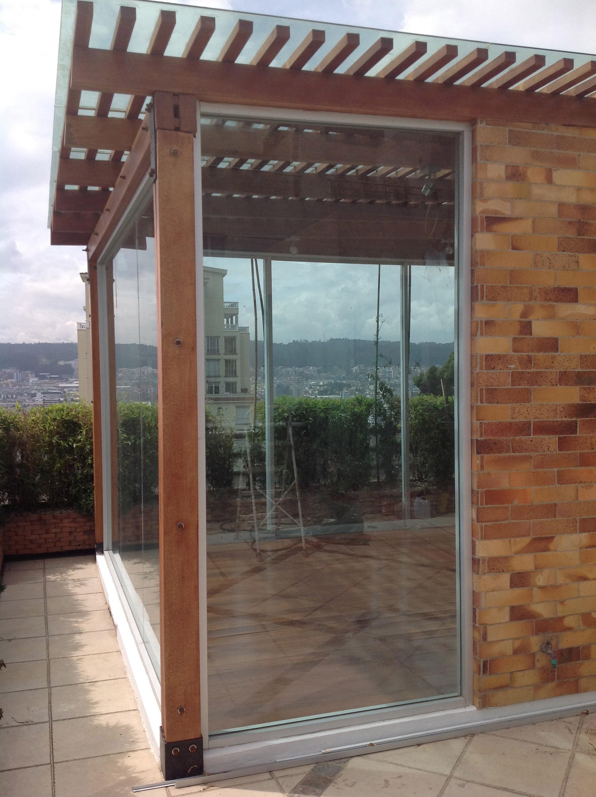 Pérgola para balcón Quito Tenis