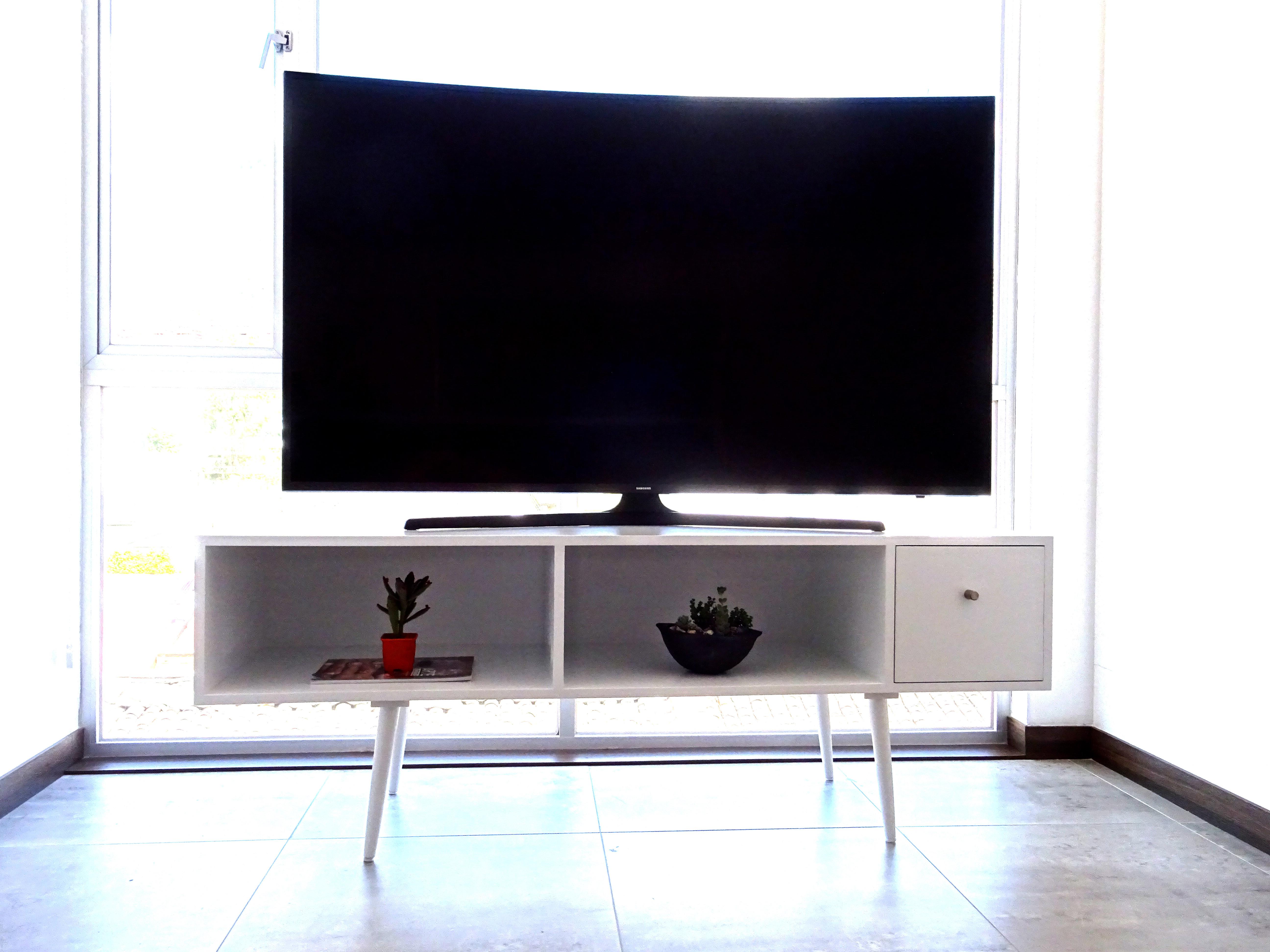 Mueble TV MDF lacado